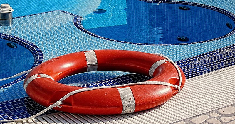 Comment traiter une piscine au chlore